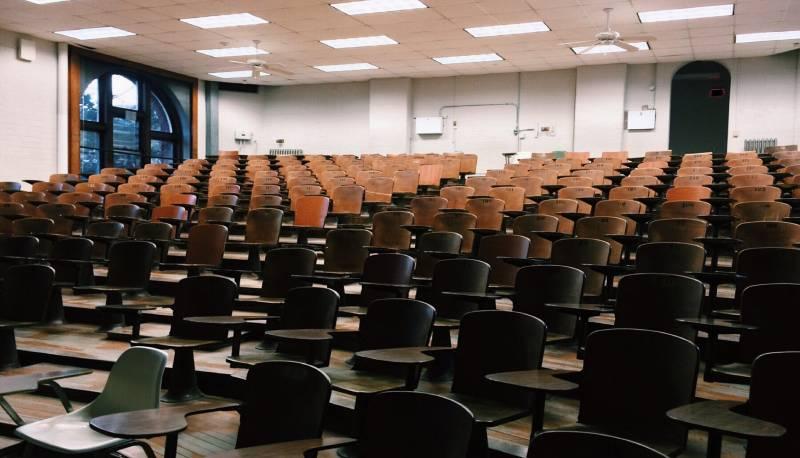 100 allla Maturità come unico criterio di accesso nella facoltà di Psicologia dell'Università Federico II